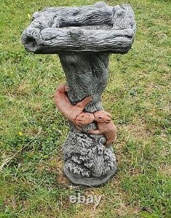 Beautiful SQUIRREL BIRD BATH FEEDER Stone Highly Detailed Garden Ornament Table