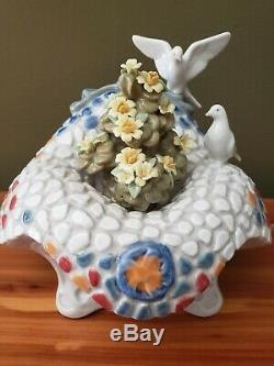 LLADRO GARDEN IN BARCELONA Fountain FLOWERS & DOVES birdbath 6662 great RARE