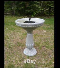 NEW Solar Outdoor Bird Bath Fountain Garden Resin Pedestal Decor Yard Lawn Bowl