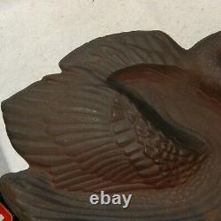RARE Vintage JOHN WRIGHT Large BIRDBATH Bird Feeder Cast Iron SWAN Garden