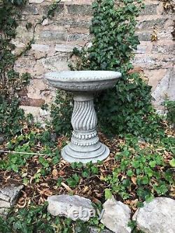 Twist base bird bath stone garden ornament design stunning