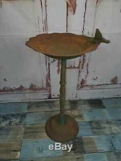 Vintage Antique Rustic Cast Iron Garden Bird Bath Feeder